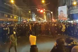 'Clérigos se perdem!': Protestos do Irã ficam furiosos após desastre de avião