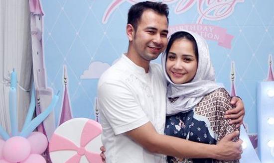 Buka Puasa - Raffi Ahmad dan Nagita Slavina