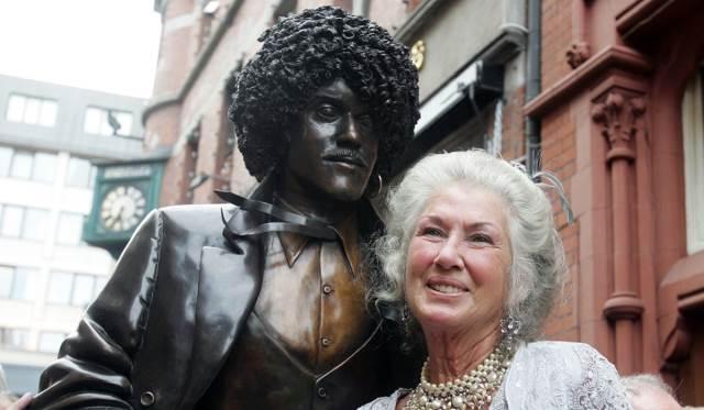 Έφυγε απο τη ζωή η μητέρα του Phil Lynott, Philomena