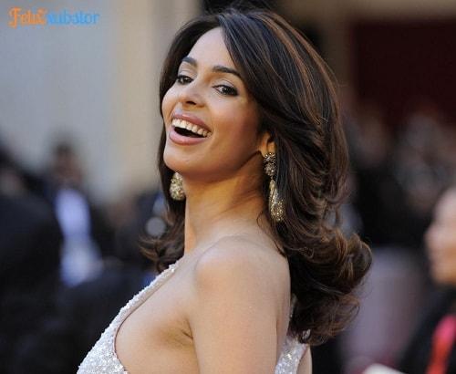 artis india cantik seksi