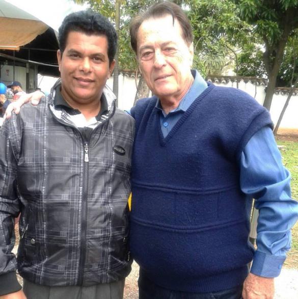 O Matemático Valdivino Sousa com o apresentador Altieres Barbiero do programa a volta do sucesso