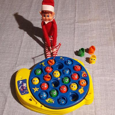 peche elf on the shelf noel lutin christmas fun ideas