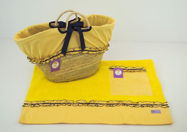 capacho y toalla playa amarillo y marino