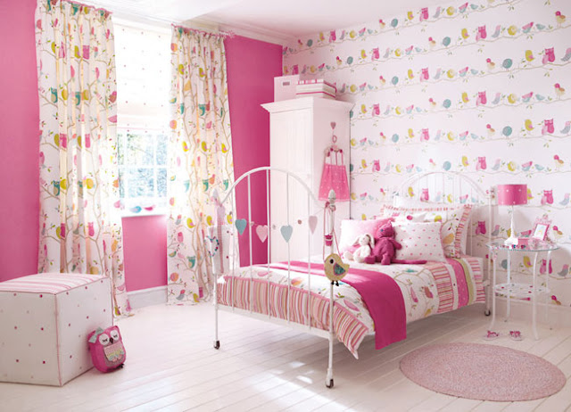 Pembe genç kız odası