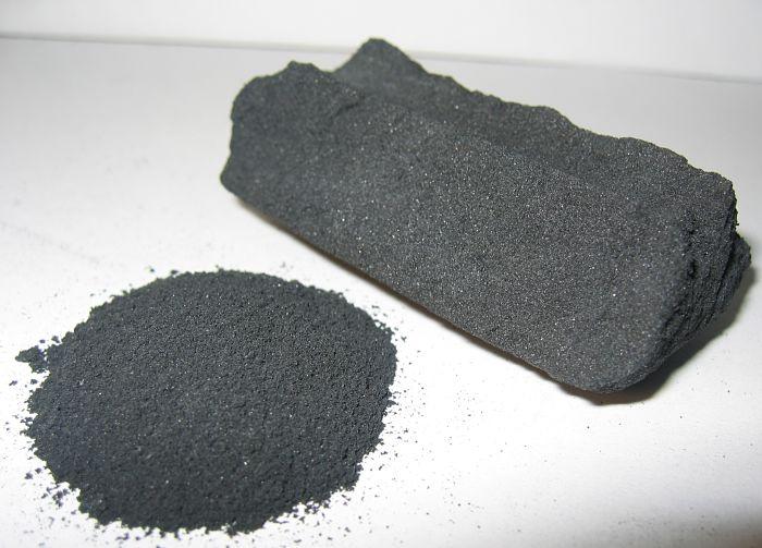 Carbón activado en polvo y en trozos
