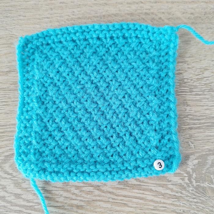 Point de risotto au tricot, vue de face, par Chat Tricote Par Ici, Hello c'est Marine
