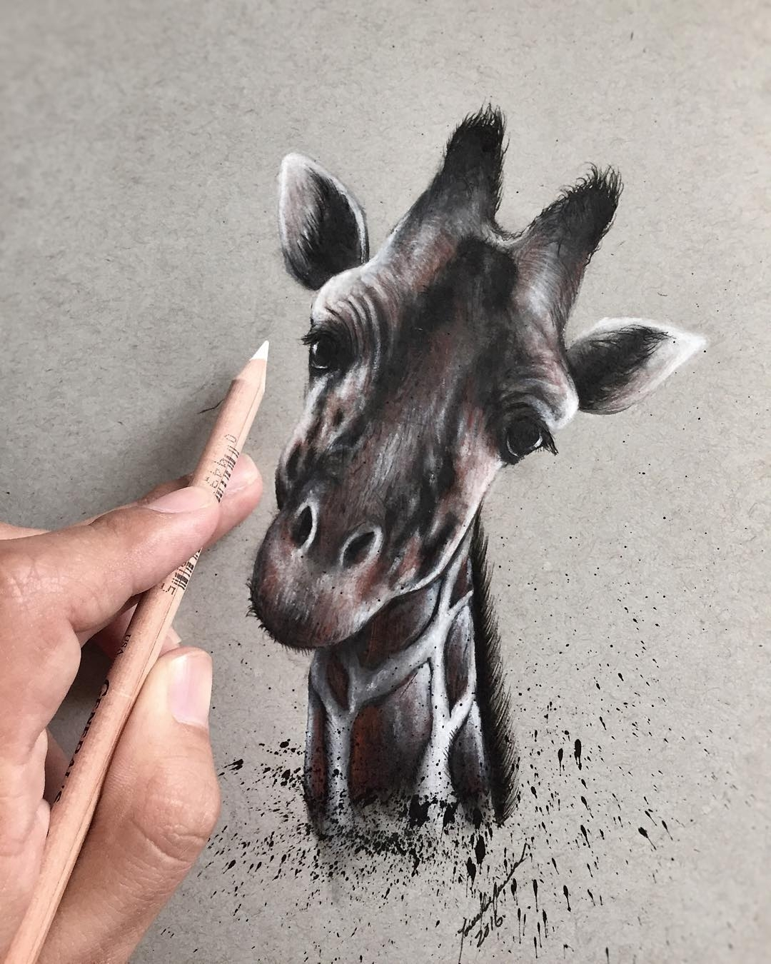 10-Giraffe-Jonathan-Martinez-Art-of-the-Endangered-Paintings-and-Drawings-www-designstack-co