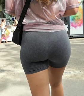 Candid video rubia shorts licra buenas nalgas