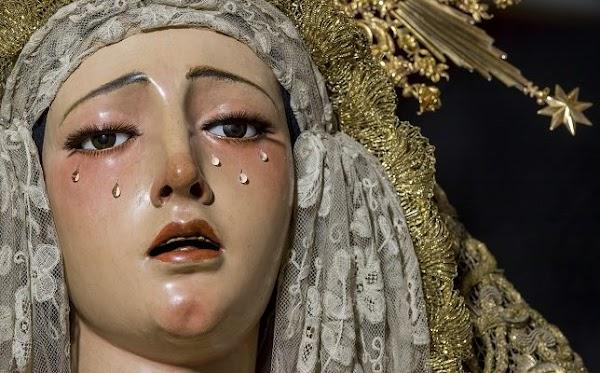La Virgen de la Esperanza de la Trinidad de Sevilla bajará al suelo en el día del aniversario de su coronación