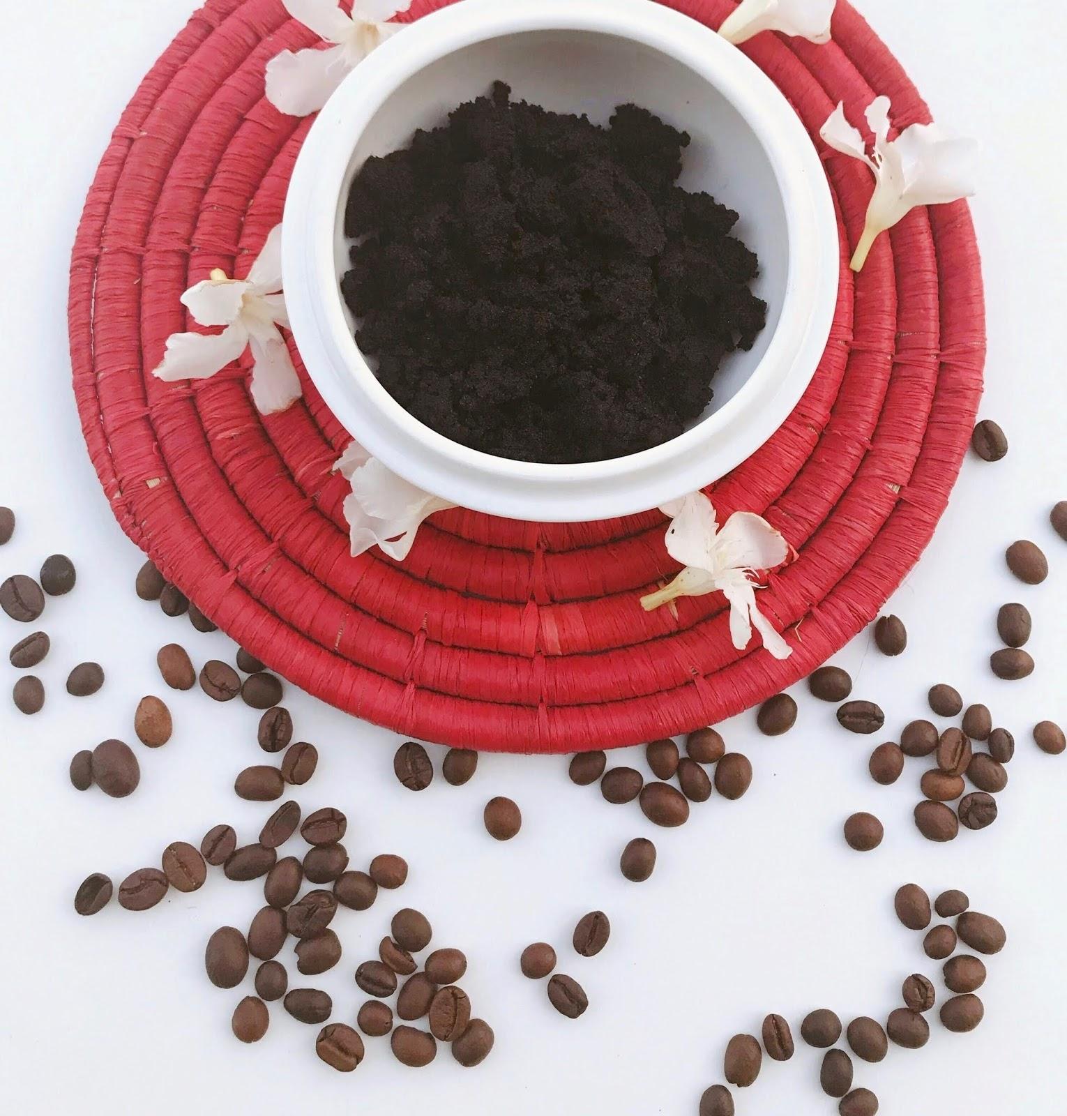 Gommage exfoliant maison au marc de café pour le corps