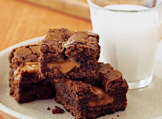 Chocolate Fudge Caramel Brownies #desserts #chocolate
