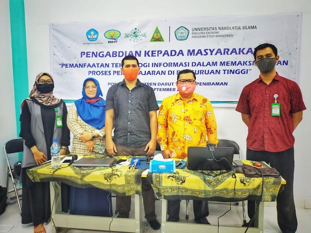 PKM Prodi Manajemen UNU Kalbar di Pondok Pesantren Darut Tolibin