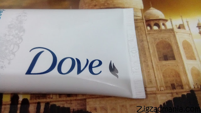 Dove Deep Pure Face Wash: Removal of dirt