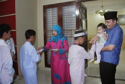 Keuntungan Mengasuh Anak Yatim Piatu beserta Hadisnya