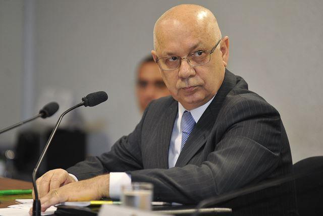 O ministro Teori Zavascki decidiu manter a prisão do ex-deputado por entender que Sérgio Moro não violou decisão da Corte