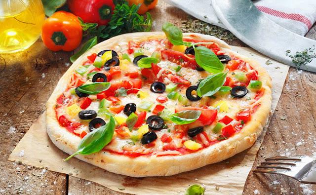 بيتزا محشية الاطراف في 30 دقيقة