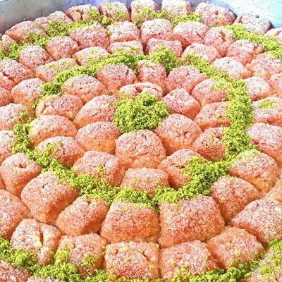 lokmalık irmik tatlısı tarifi nasıl yapılır nurselin mutfağı evi kolay nefis şerbetli tatlı  yemek tarifleri irmik kesmesi selomina dessert recipe