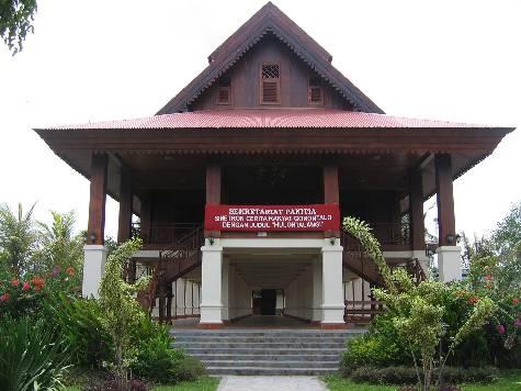 Rumah Adat Gorontalo rumah adat doloupa gorontalo