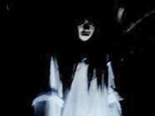 Hantu Wanita Bergaun Putih Cerita Hantu Wanita Memesan Bakso