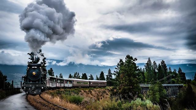 beautiful train wallpaper