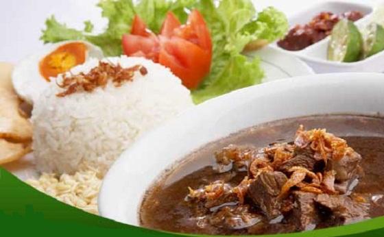 Cara masak Nasi Rawon Daging Sapi Super Lezat khas jawa tengah dan jawa timur