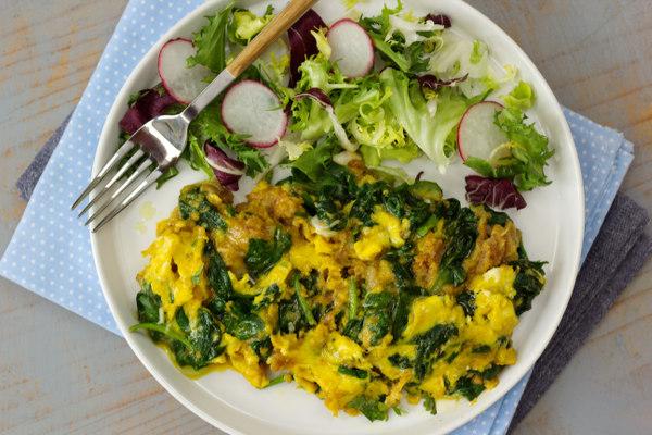 Resultado de imagem para Omelete de fiambre com salada de espinafre e laranja