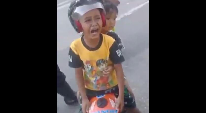 Begini Jika Orangtua Membiarkan Anaknya Naik Motor Mini Di Jalan Raya