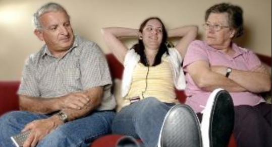 Μαζί με τους γονείς συνεχίζουν να ζουν οι Έλληνες 30άρηδες