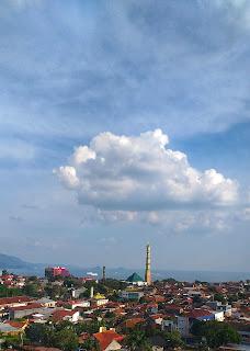 Masjid Agung dan Teluk Lampung dari Lantai 17