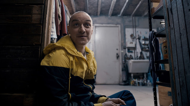 "James McAvoy tem múltiplas personalidades no trailer do suspense ""Split"", de M. Night Shyamalan"