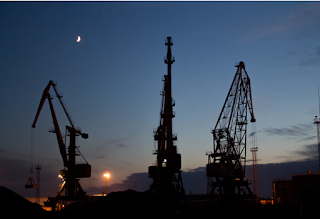 أسعار النفط تتهاوى بفعل كورونا