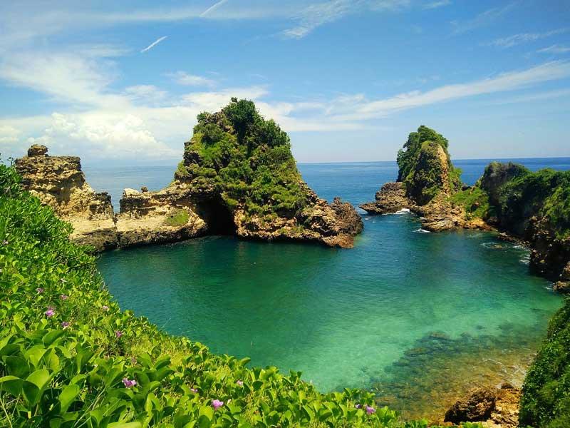 Fasilitas Wisata Taman Wisata Alam Gunung Tunak