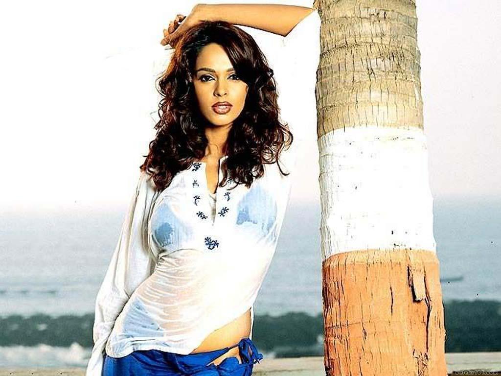 Mallika Sherawat Sexy Nue