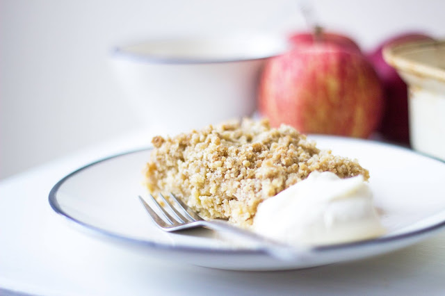 easy crumble topped apple cake recipe
