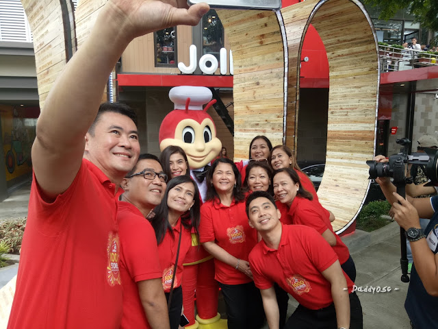 Jollibee 1000 stores opening