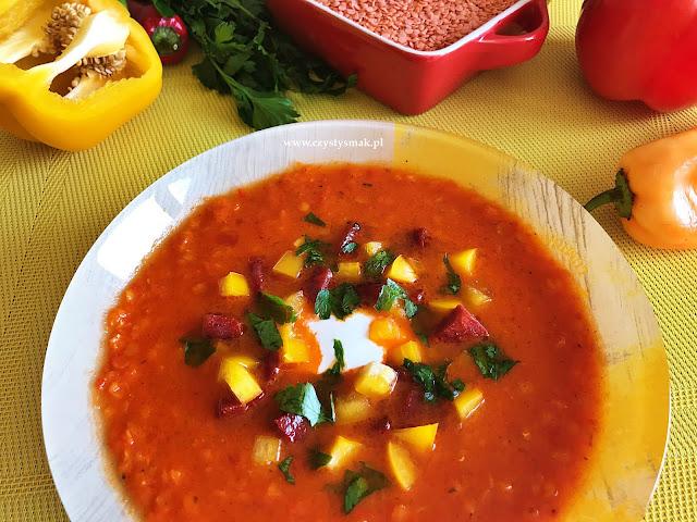 Zupa paprykowa z czerwoną soczewicą