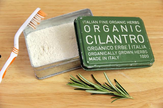 dentifricio in polvere alle erbe - www.glialchimisti.com