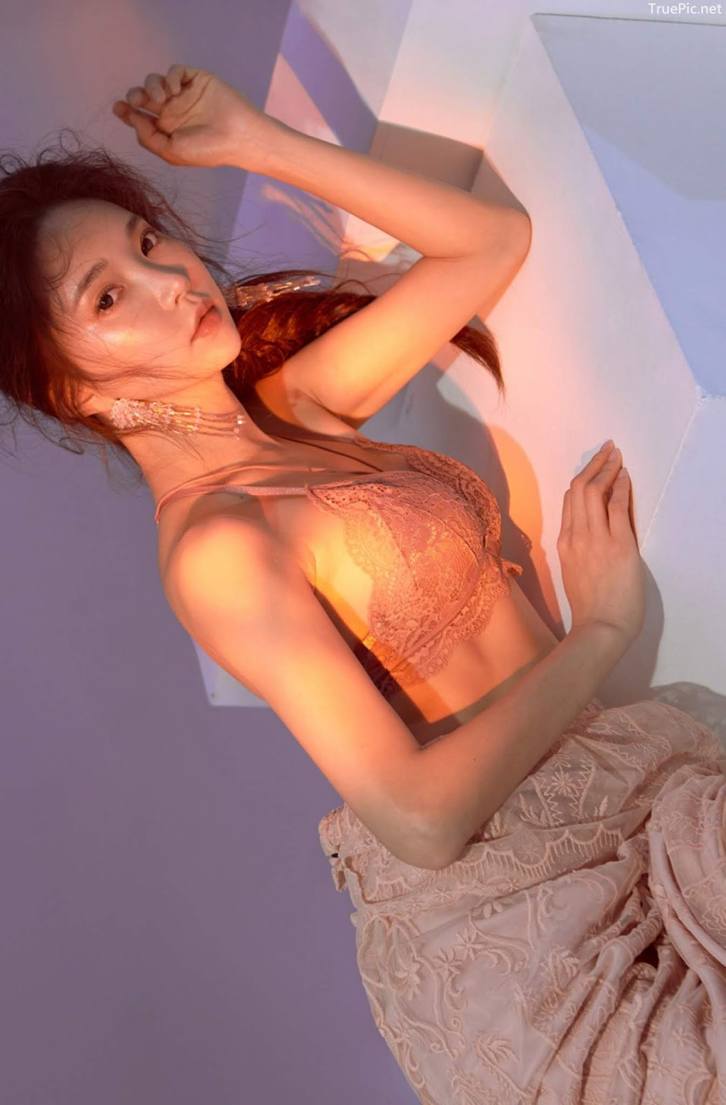 Korean model and fashion - Park Soo Yeon - Off-White Lavender and Salmon Pink Bra - Picture 8