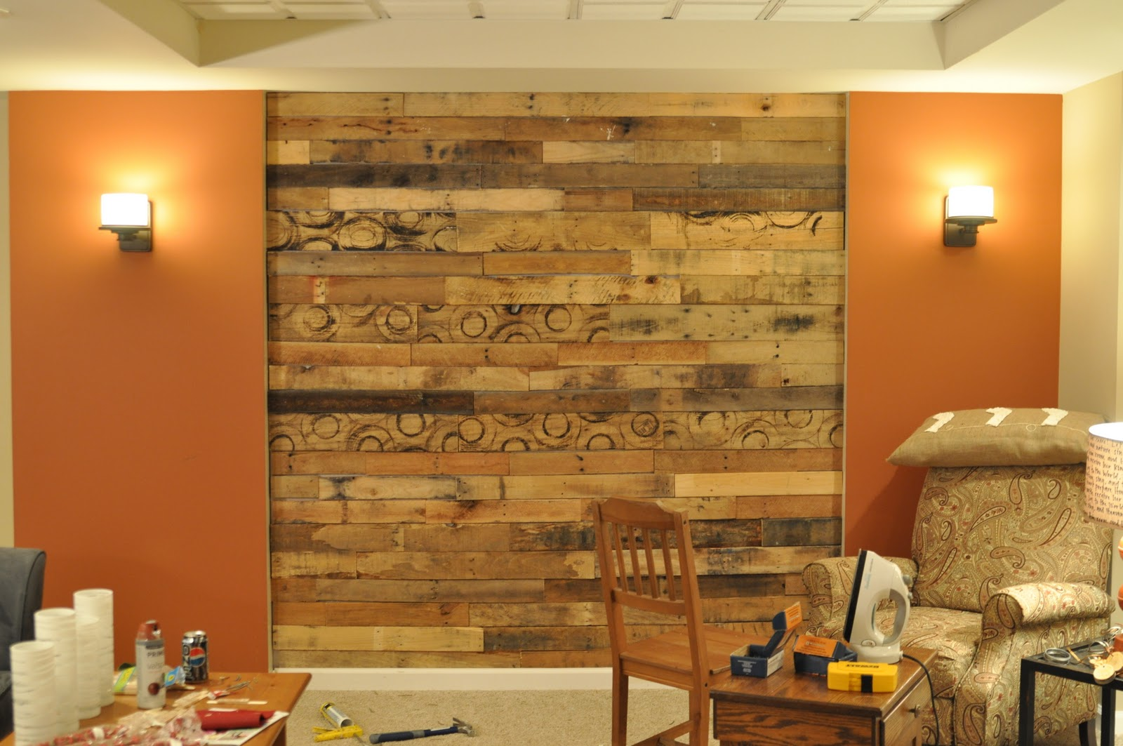 Nate's 12 Days of Holiday DIYs {Day 8: Pallet Wall Take 2 ...