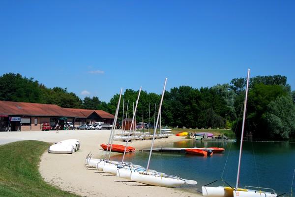 bourg-en-bresse base loisirs bouvent lac plage