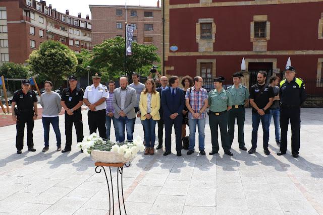 Participantes en el acto de homenaje a Miguel Ángel Blanco