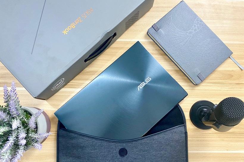 ASUS Zenbook 13 UX325 Unboxing