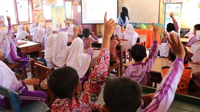 Usaha Yang Harus Dilakukan Guru Untuk Meningkatkan Kemampuan Mengajarnya