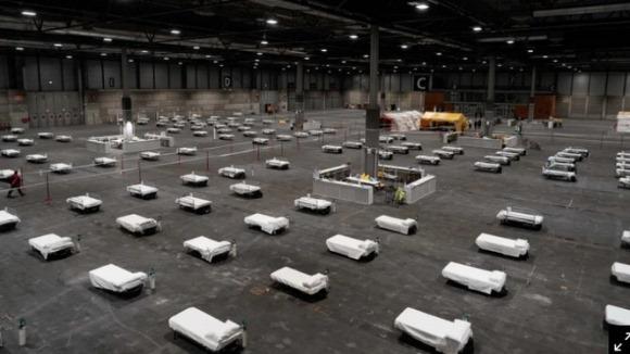 COVID-19: Thi thể quá nhiều, Châu Âu biến sân trượt băng thành nhà xác