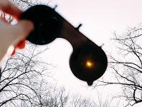 Mau Melihat Gerhana Matahari dengan Aman? Begini Caranya