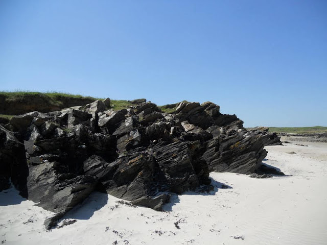 County Donegal Road Trip: A rocky beach near Ardara Town