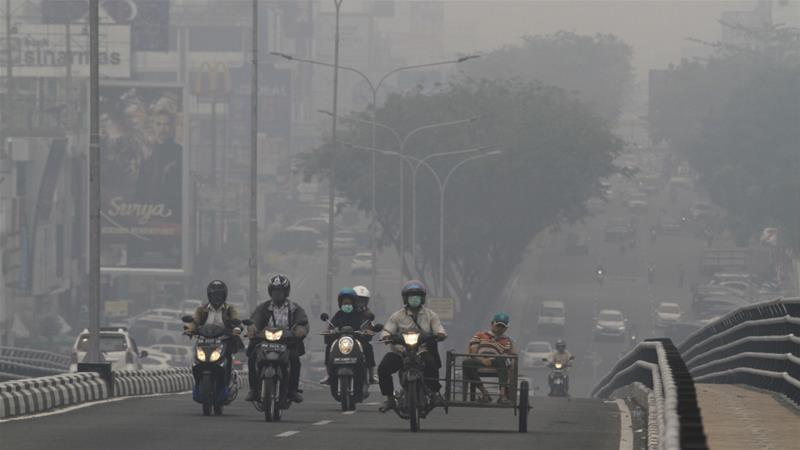 Indonesia fires forces schools and airport to close in Sumatra