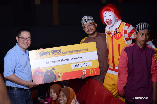 A total of 10 cheques of RM5,000 each were given away by RMHC to the deserving homes