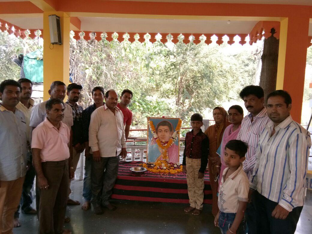 Remembrance-done-on-the-death-anniversary-of-Savitribai-Phule-of-society-reformer-समाज सुधारिका सावित्रीबाई फुले की पुण्यतिथि पर किया स्मरण