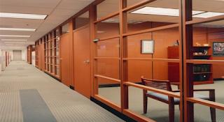 Các công dụng hữu ích của vách ngăn văn phòng